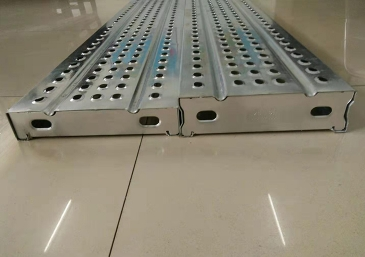 钢跳板生产厂家介绍钢跳板的防滑性能提高