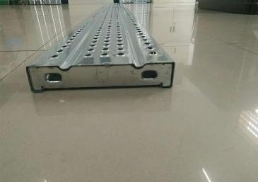 钢跳板生产厂家介绍钢跳板的优点